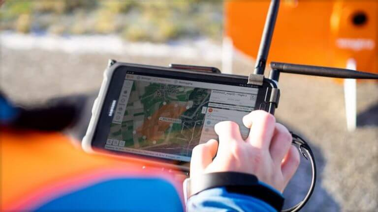 Flight mapping software on tablet